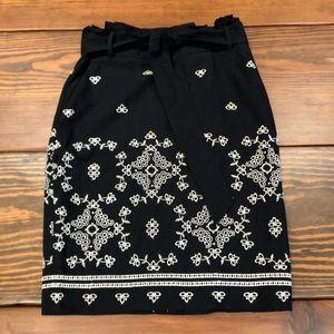 Ann Taylor Navy Pencil Skirt w/Eyelet Embroidery